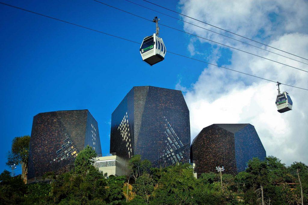 Библиотечный парк города Медельин Колумбия